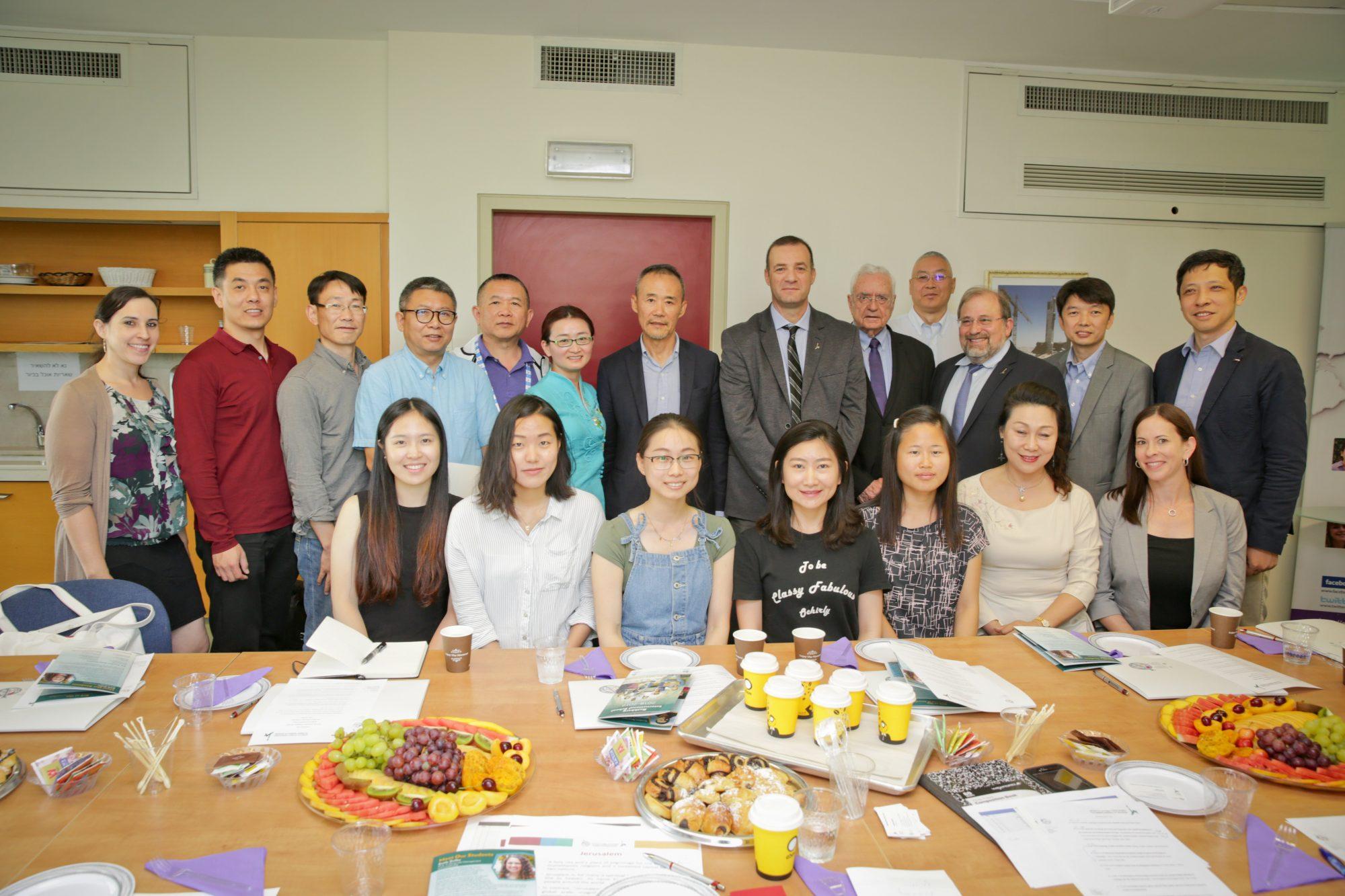 Chinese entrepreneur Wang Shi visits RIS